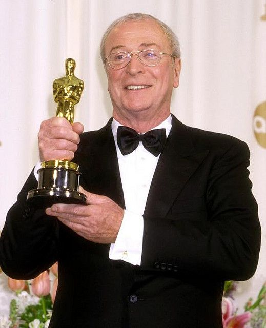 Michael Caine Wins Supporting Actor 2000 Oscars