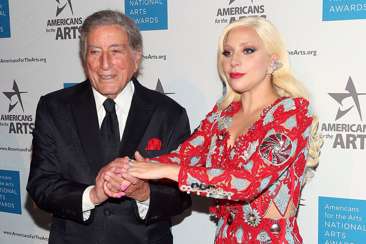 Tony Bennett & Lady Gaga – Baby it's Cold Outside