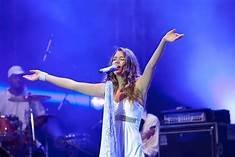 JOSS STONE LIVE – A NATURAL WOMAN – ARETHA FRANKLIN TRIBUTE