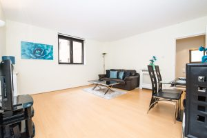Point West, Gloucester Road. Deluxe 1 Bedroom Apartment for Rental