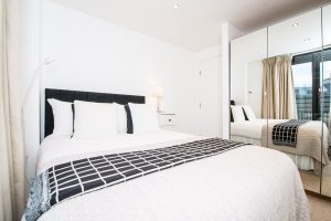 Modern & Spacious Two Bedroom In Kensington