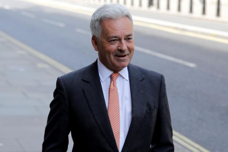 Tory leadership race Alan Duncan resigns as minister