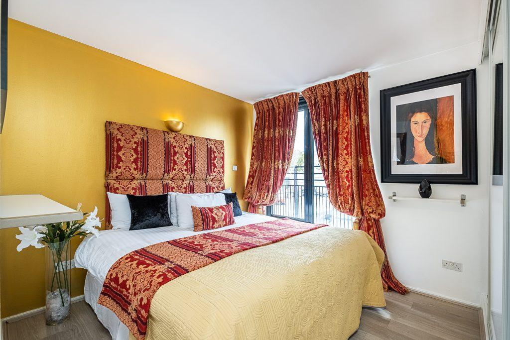 London, Kensington, Bedroom